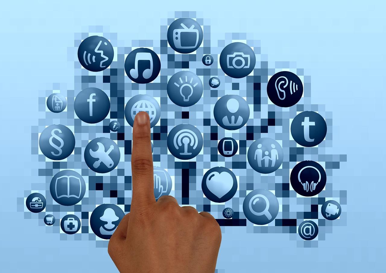 9 Easy Ways for Nonprofits to Establish a Social Media Presence